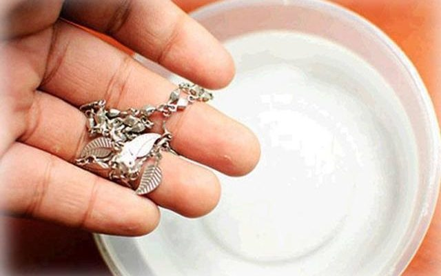 clean diamond rings